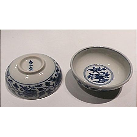 青花壽桃纏枝紋杯